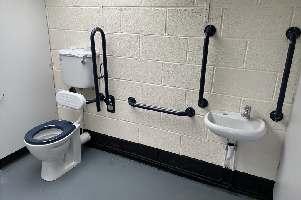 Accessible cubicle